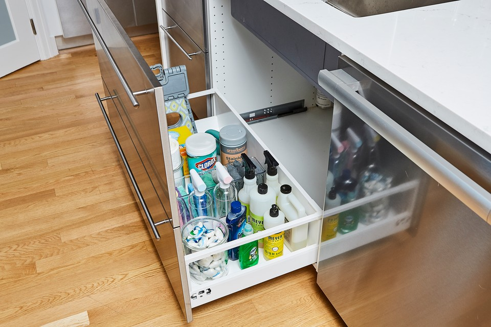ORganized drawer with cleaning products under sink