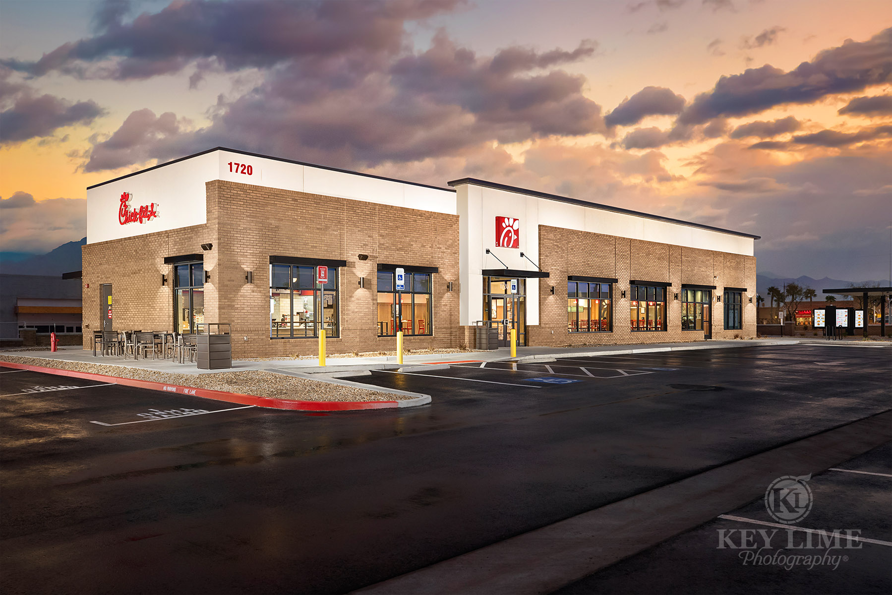 Architecture photography, exterior photo of restaurant chain, commercial