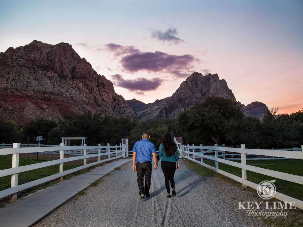 sunset engagment photo at spring mountain ranch