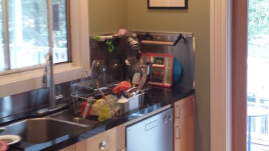 A picture of the kitchen before the remodel