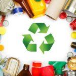 Bellas canastas de obsequios con objetos reciclados