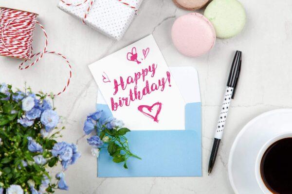 Lindas tarjetas de invitaciones de cumpleaños