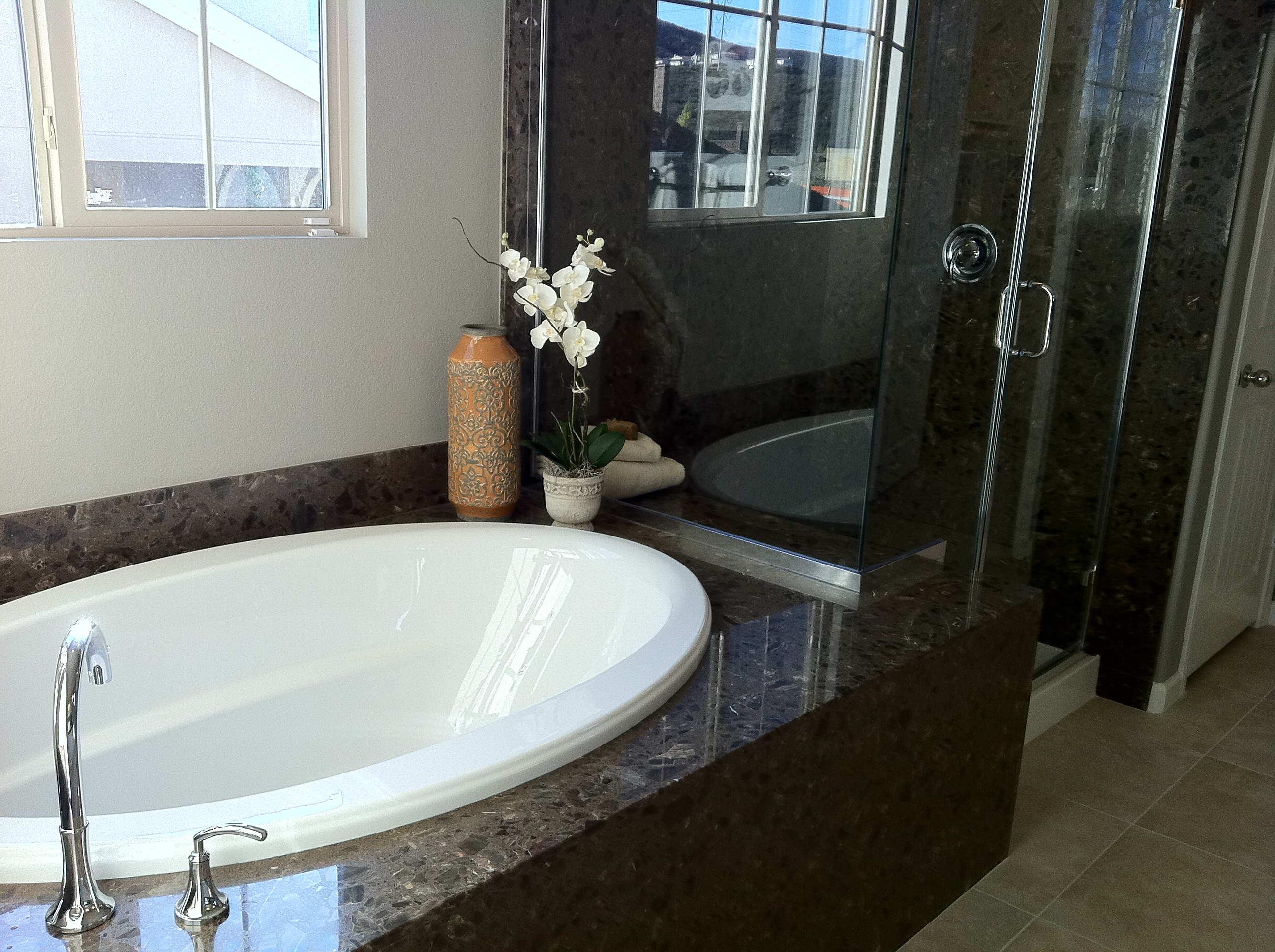 Bathtub-Eng Marble-LOW