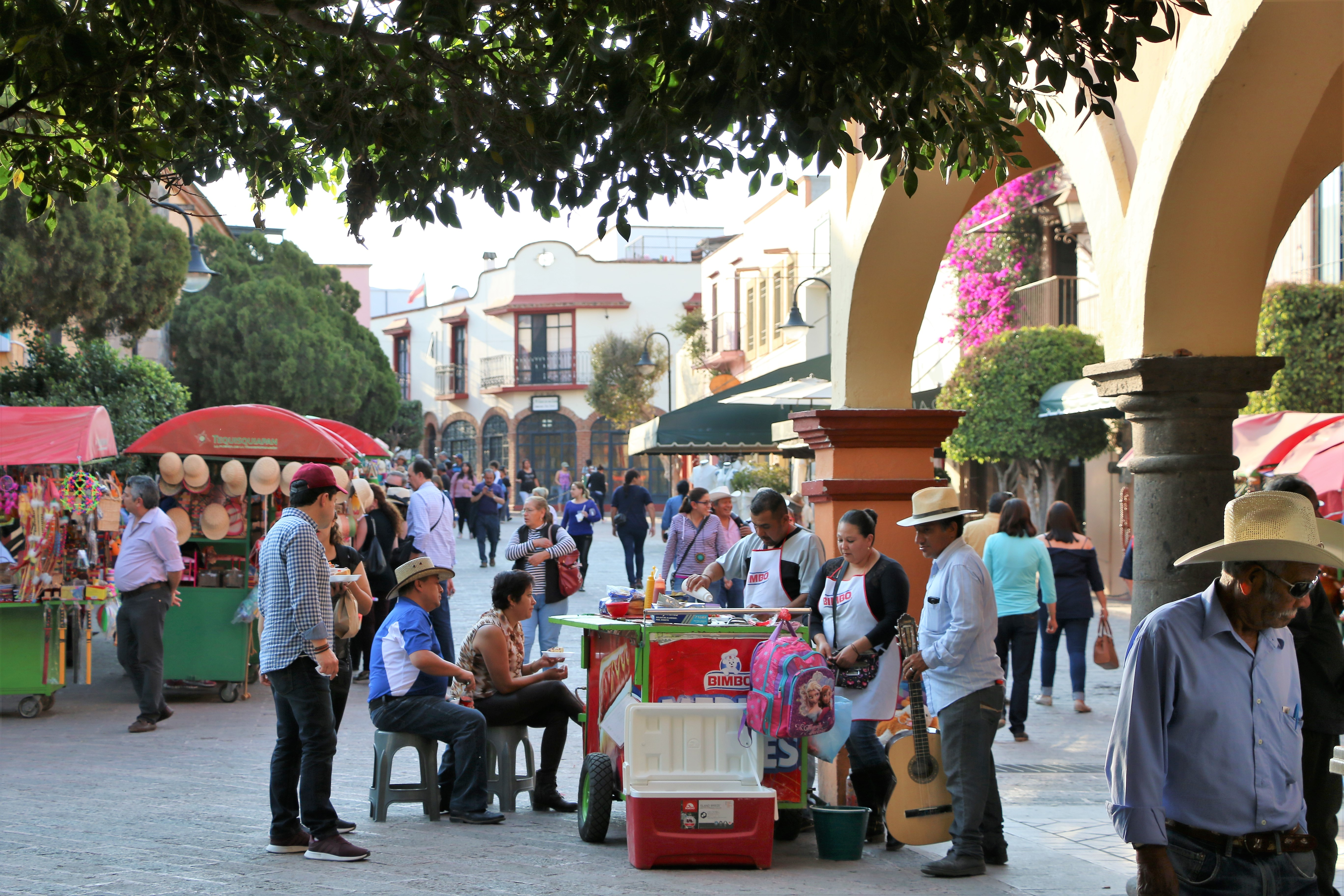Walking street with vendors in Tequisquipan