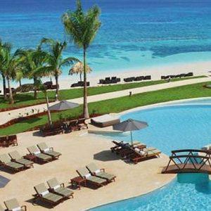 shore-excursion-secrets-pool