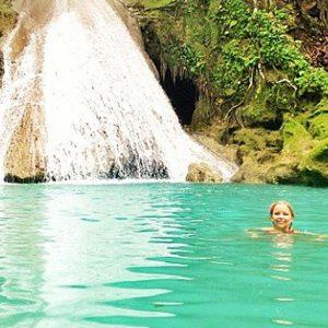 swim in blue hole ocho rios