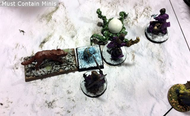 Strategically taking out creatures in Frostgrave. Be sure to surround your opponent.