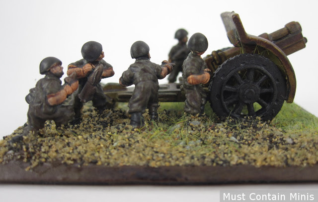 10.5cm leFH18/40 Gun painted with a german crew