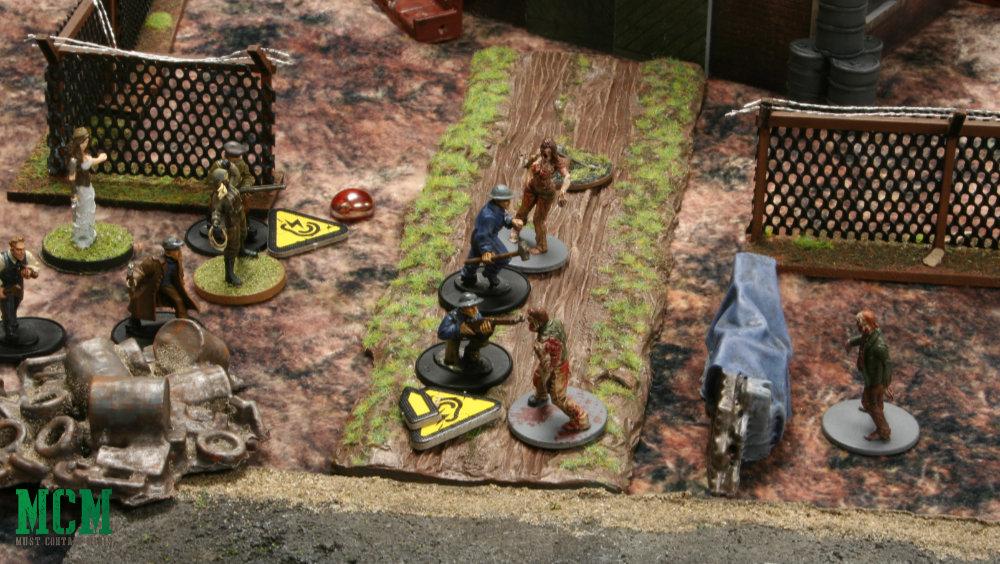Miniature Zombies versus Survivors