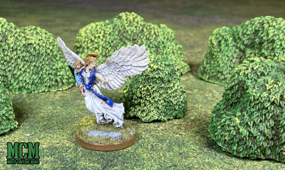 Monster Scenery: Bushes Review - 32mm Reaper Miniatures figure shown for scale comparison for RPG players
