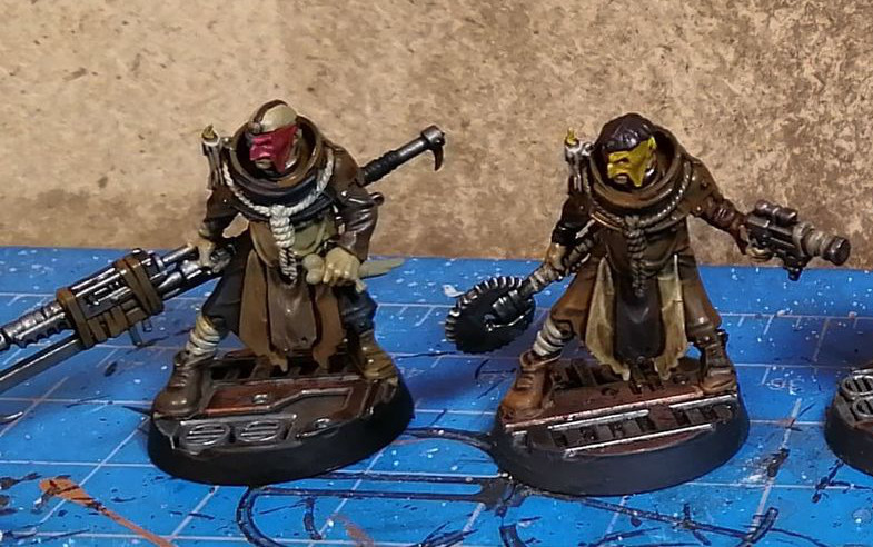 A couple of nicely painted minis for Necromunda