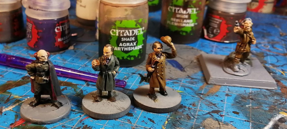 Vampires and Gentlemen. A look at what is on Dave Lamers paint table.