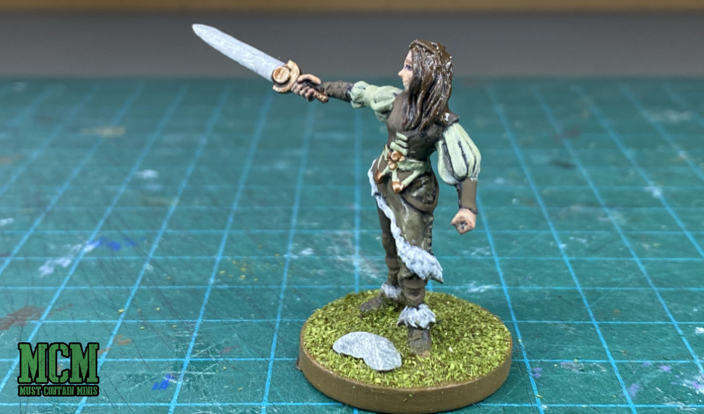 A great looking miniature for RPG games, but I will be using her for Rangers of Shadow Deep