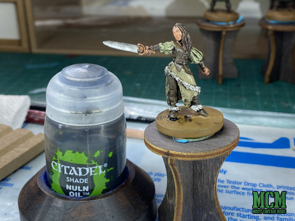 How to Paint a Miniature - Shading