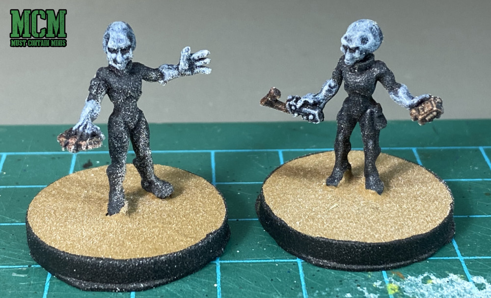Gray Aliens - A hard lesson that I learned about varnishing miniatures