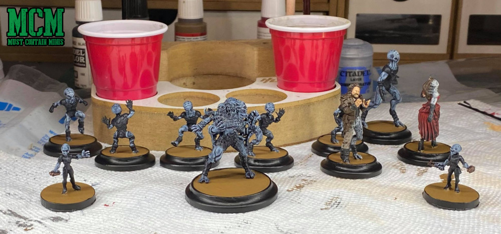 Reaper Miniatures Aliens and Wild West Exodus Watchers all getting the same color scheme. Painting up miniatures.