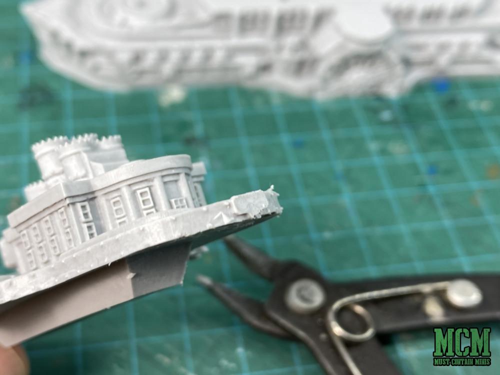Dystopian Wars miniatures building