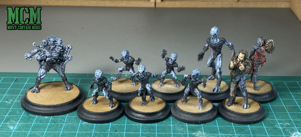 Looking at a varnishing problem I came across while painting my Cerulean Clade Posse