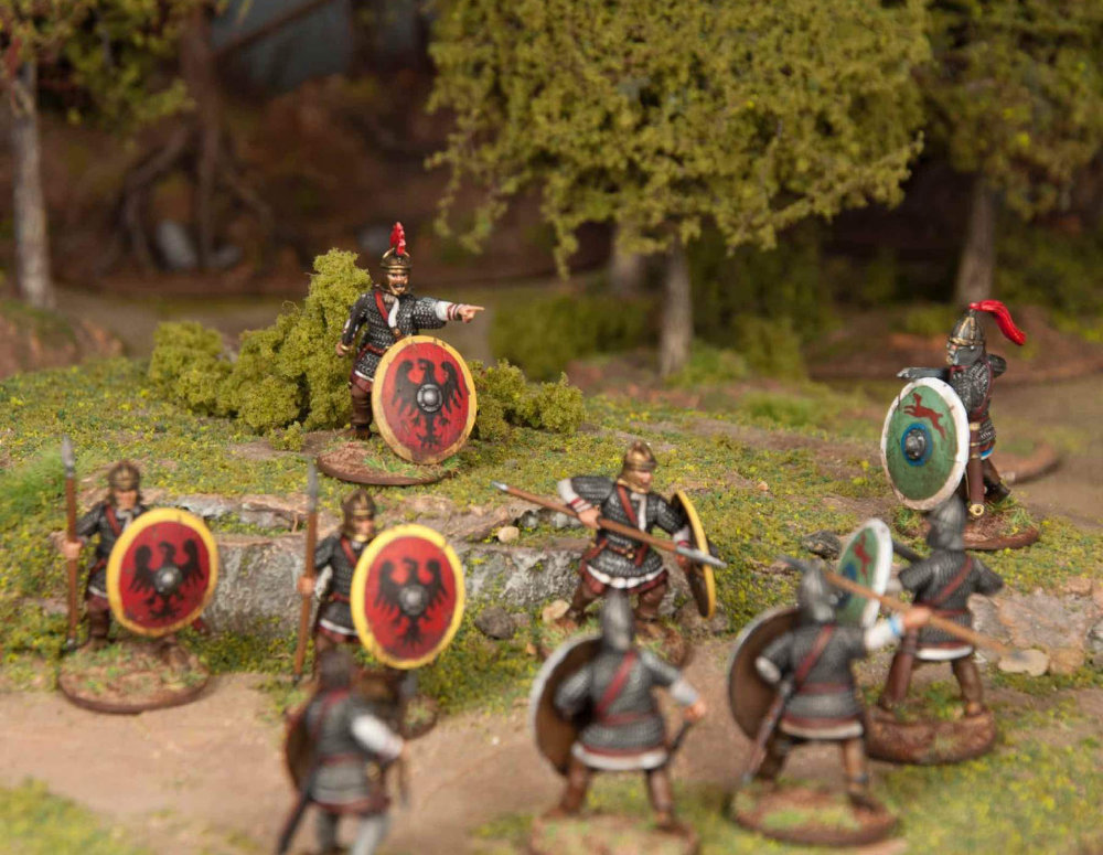 28mm Roman Miniatures engaged in a civil war