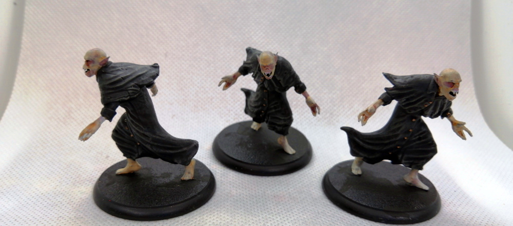 Some quickly painted Vampire miniatures