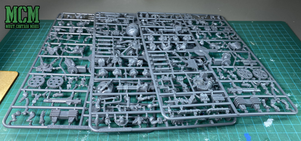 The new sprues in the box set