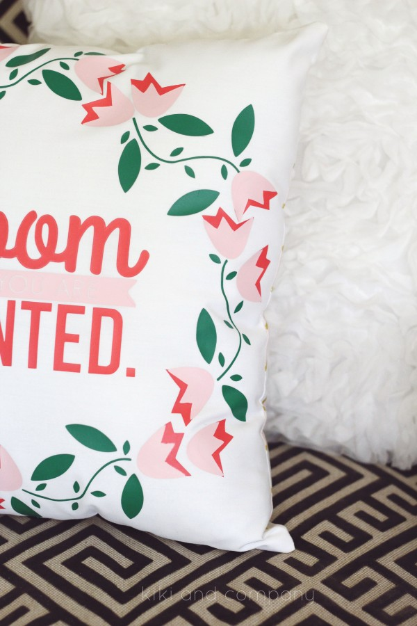 Make your own pillow at kiki and company. Love this vinyl!