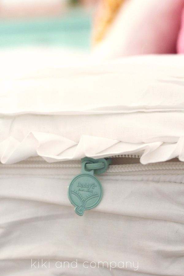 Girl's Room Makeover. LOVE this Beddy's Bedding! Cute bedding.