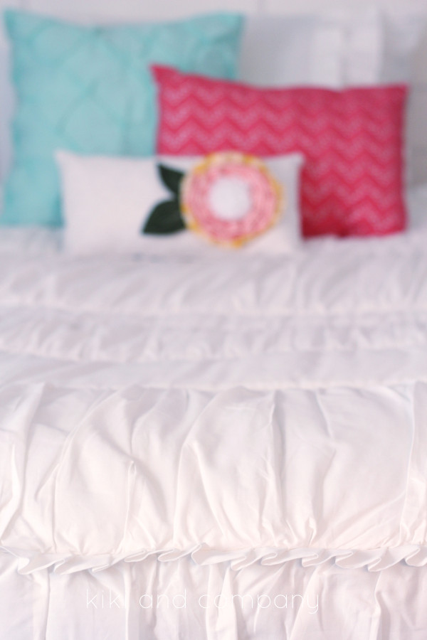Girl's Room Makeover. LOVE this Beddy's Bedding! Super cute.