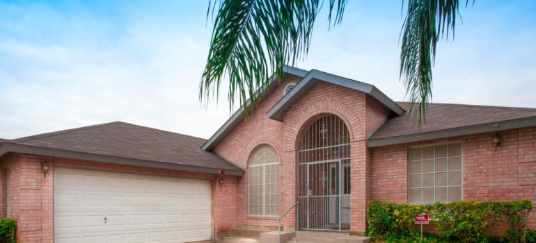 NEW LISTING: 318 New Castle Drive | Laredo, TX 78045