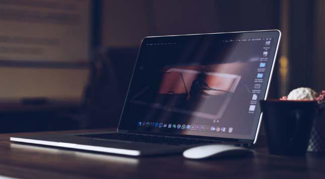 Tech Gadgets & Efficient Laptop