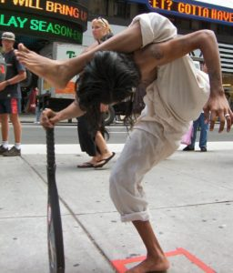 contortionist_ravi_standing