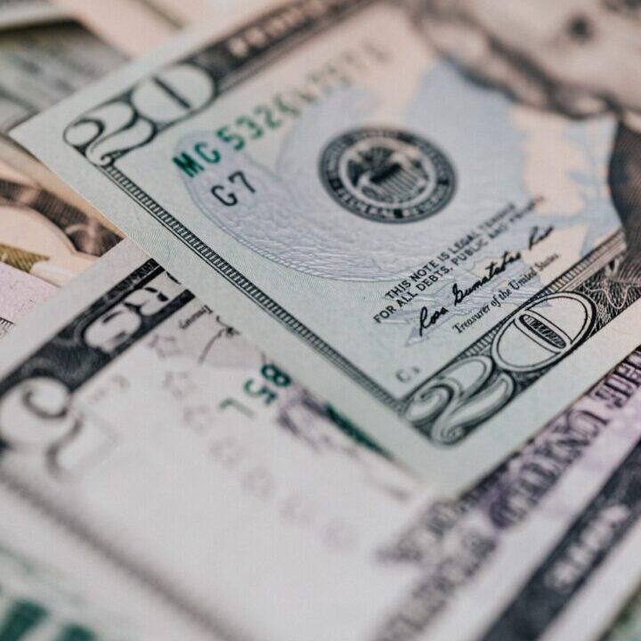 blur money