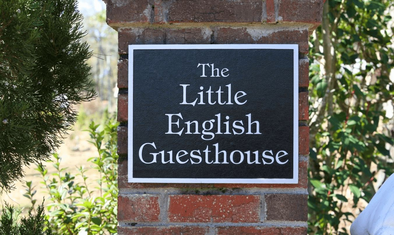 Little English Guesthouse Bed and Breakfast, Tallahassee, Florida
