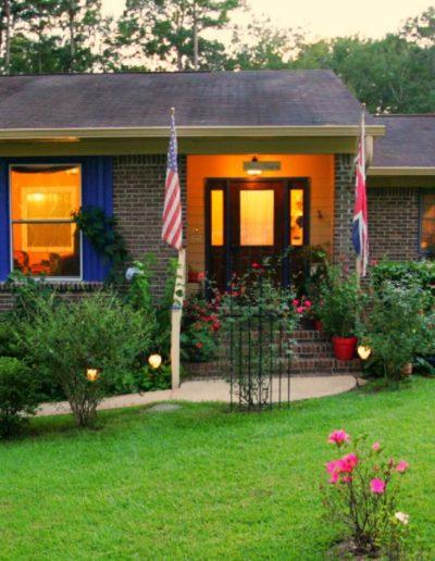 Little English Garden Front | Little English Guesthouse B&B, Tallahassee, FL