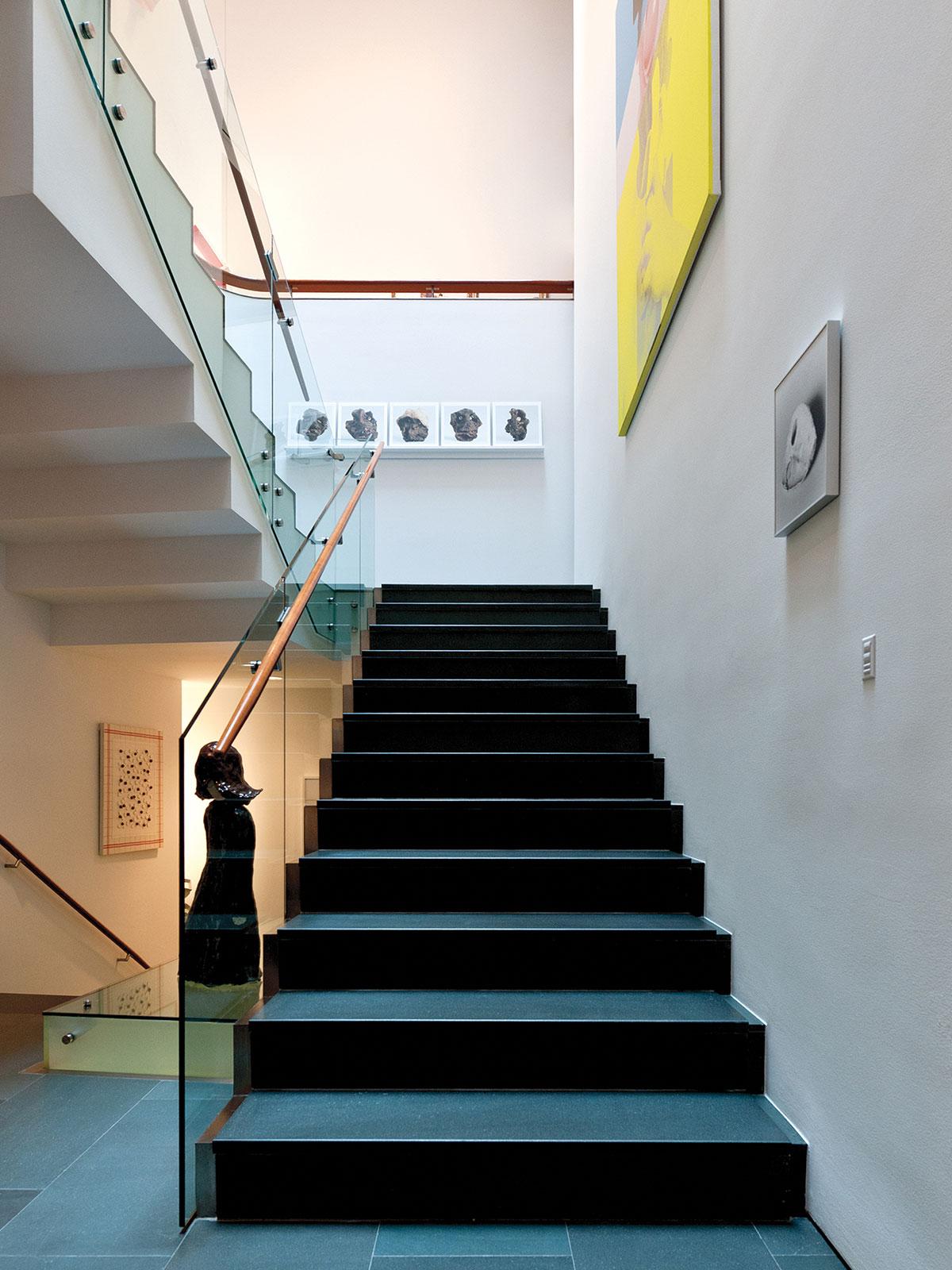 hallway, keypad