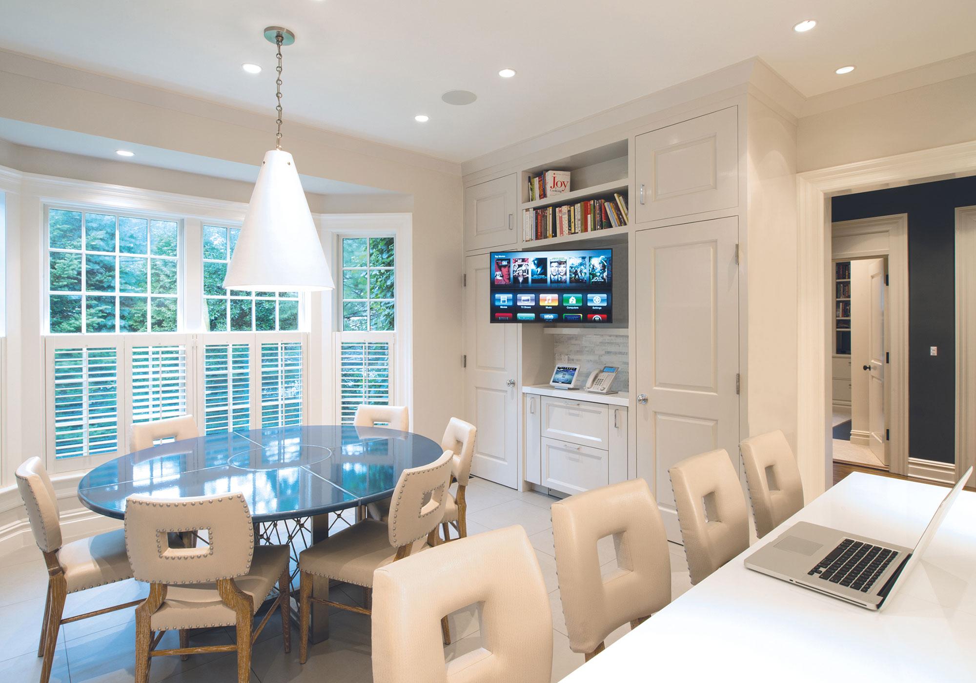 kitchen, tv, articulating arm