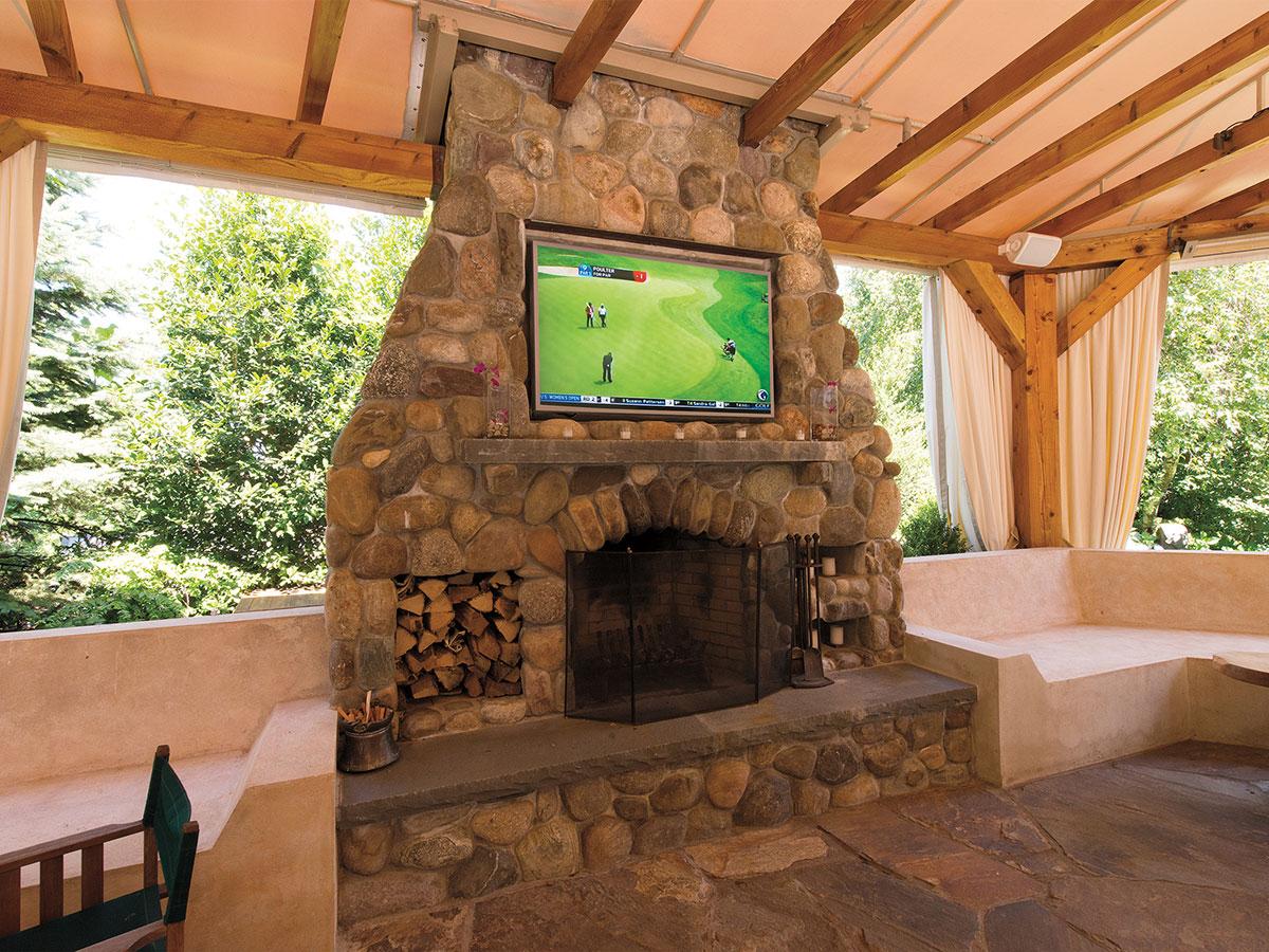 osbee-outdoor_living_room-featured