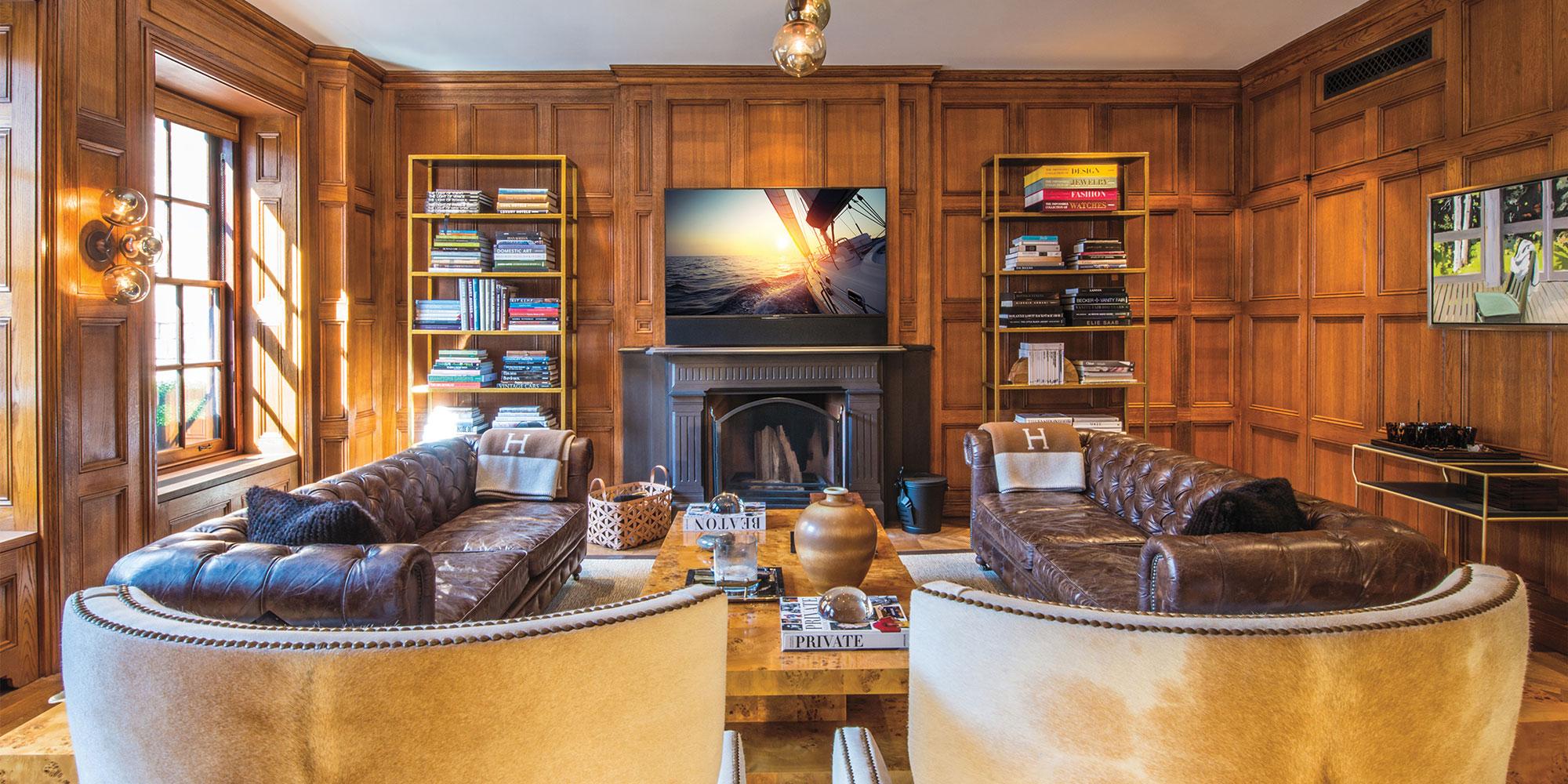 living room, media room, TV, soundbar