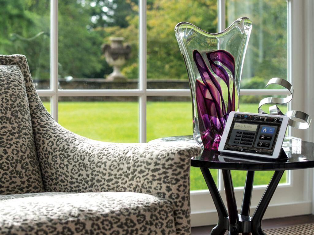 Living Room, iPad, alarm screen