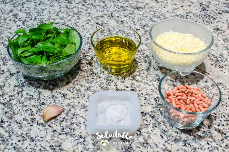 Pesto de albahaca y piñones