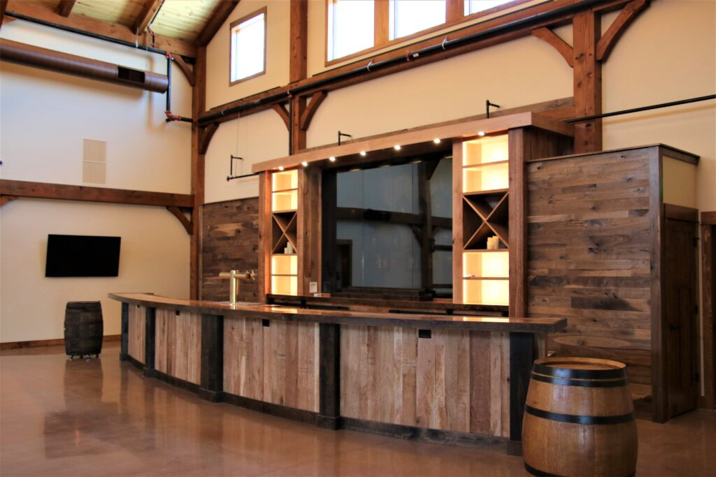 Wedding-Barn-Bar