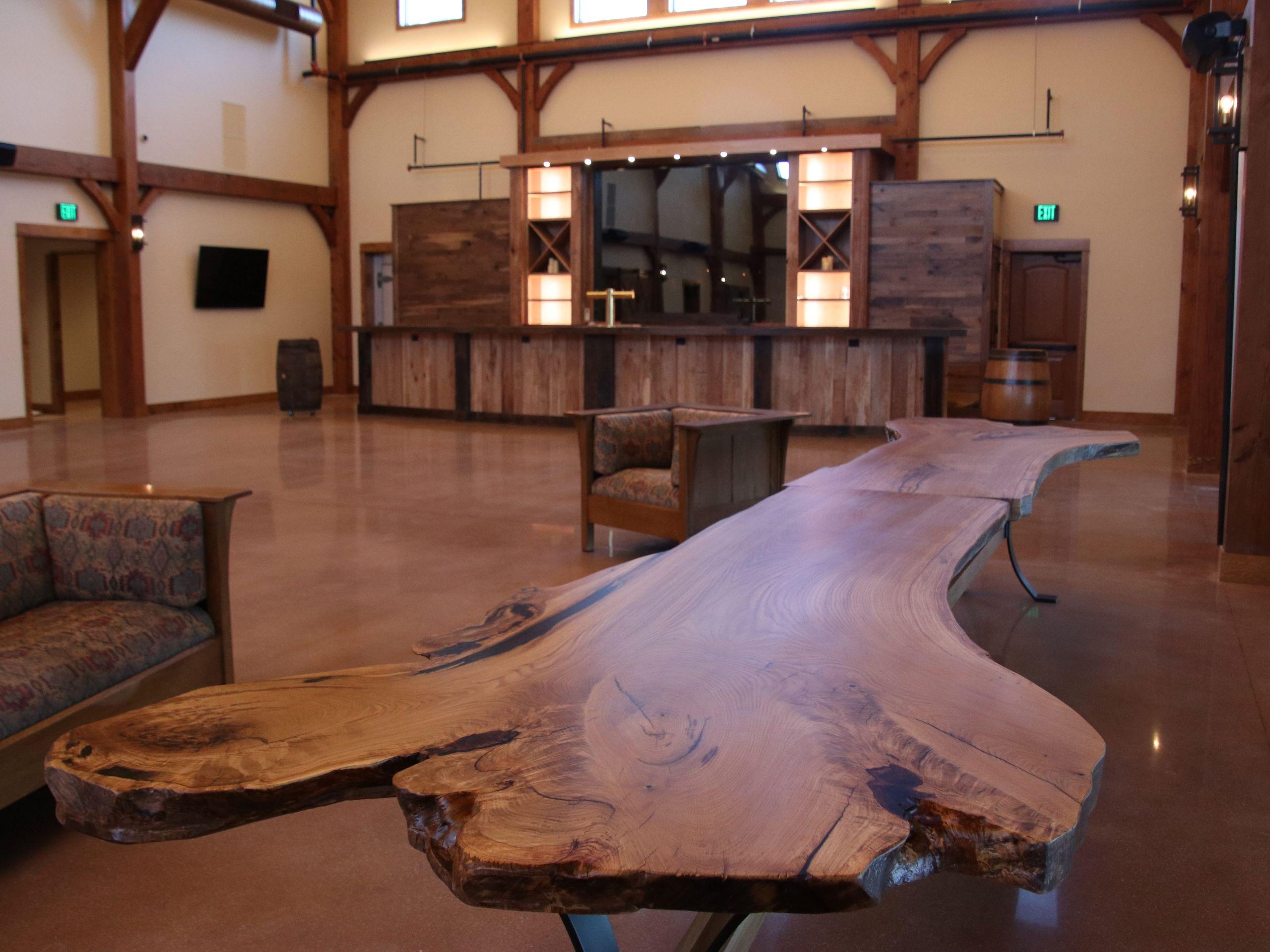 Barnwood-Wedding-Table