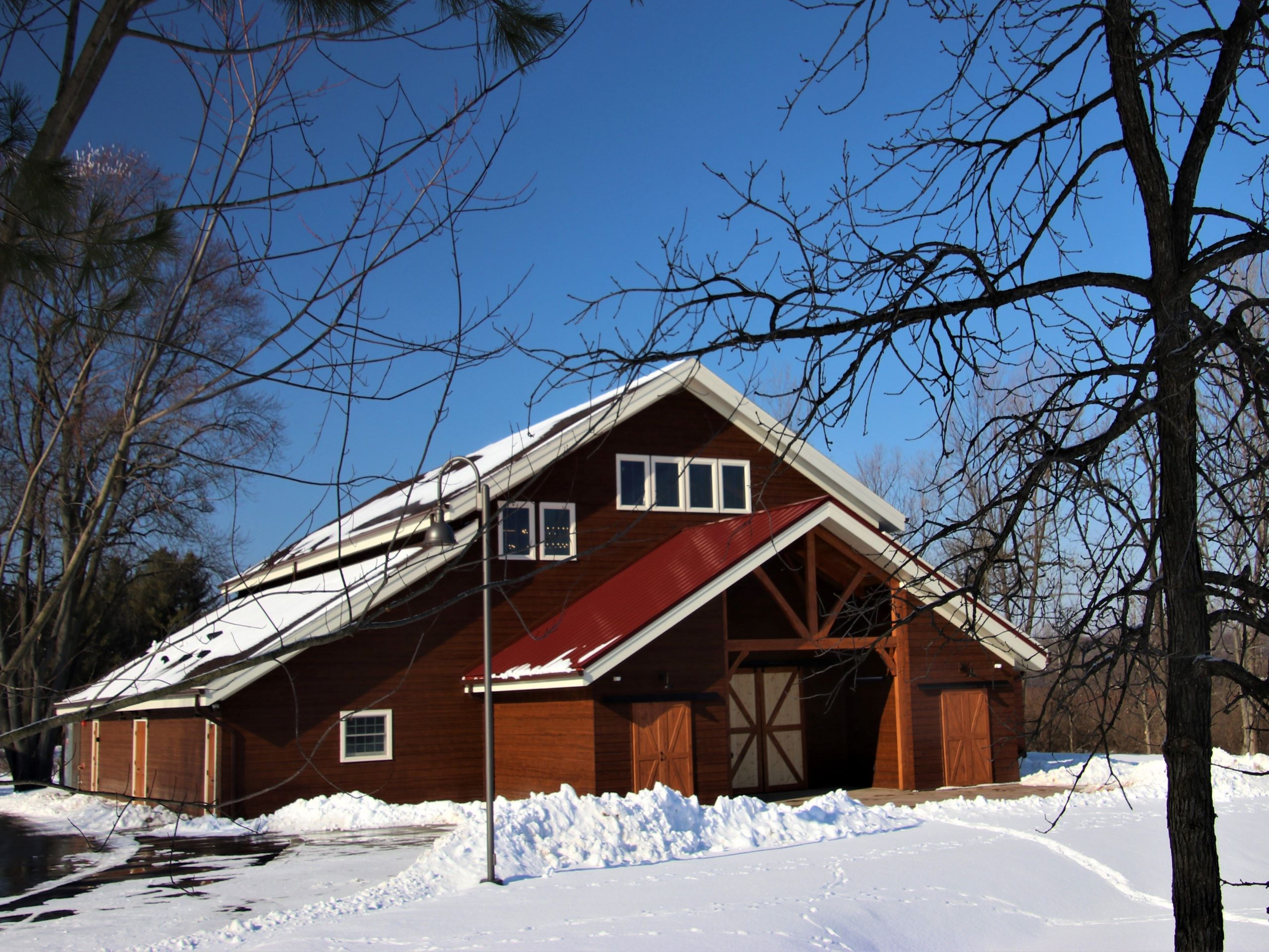 Barnwood-Wedding-Barn-Outside