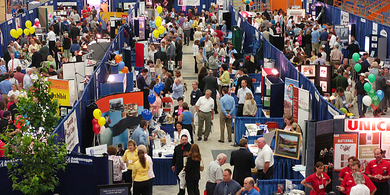 crowded-exhibit-hall