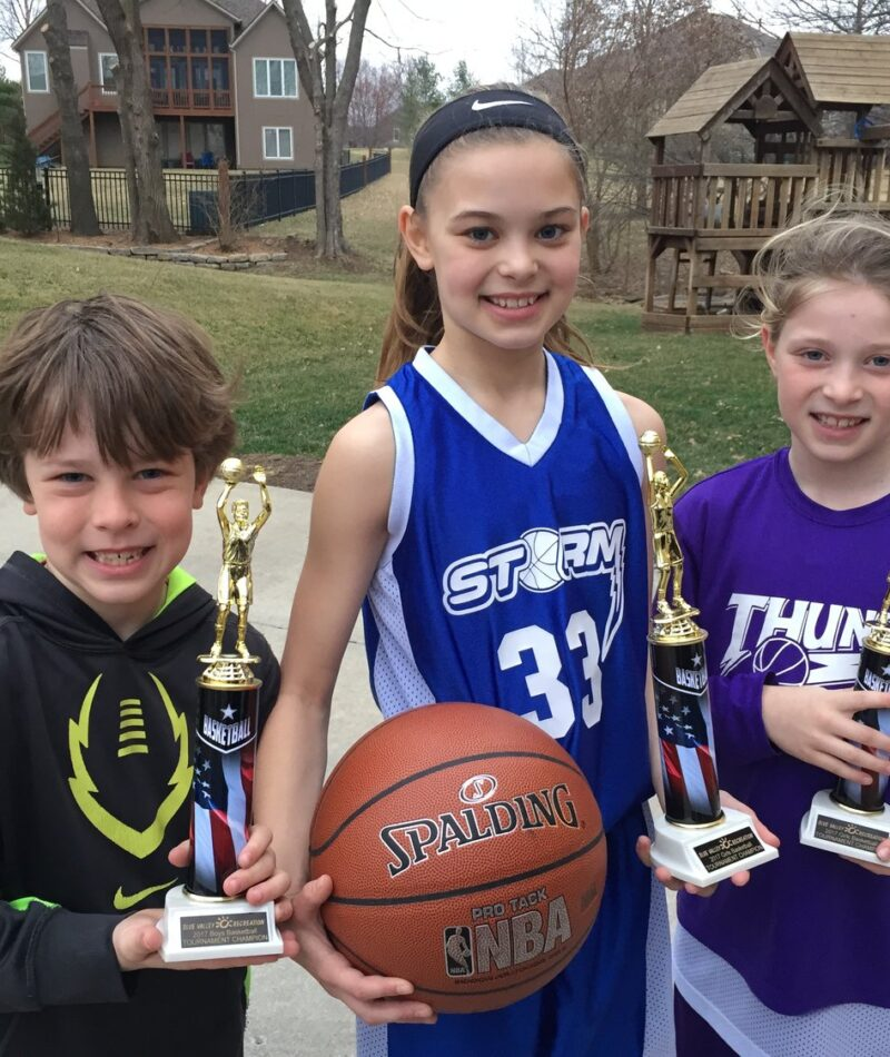 Kids+with+trophies