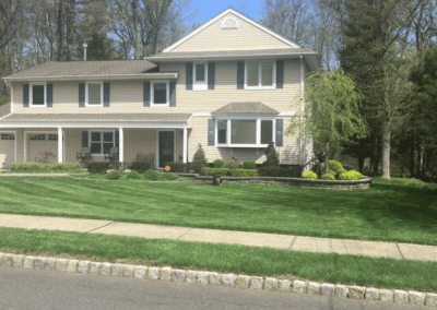 Curb appeal Green Lawn