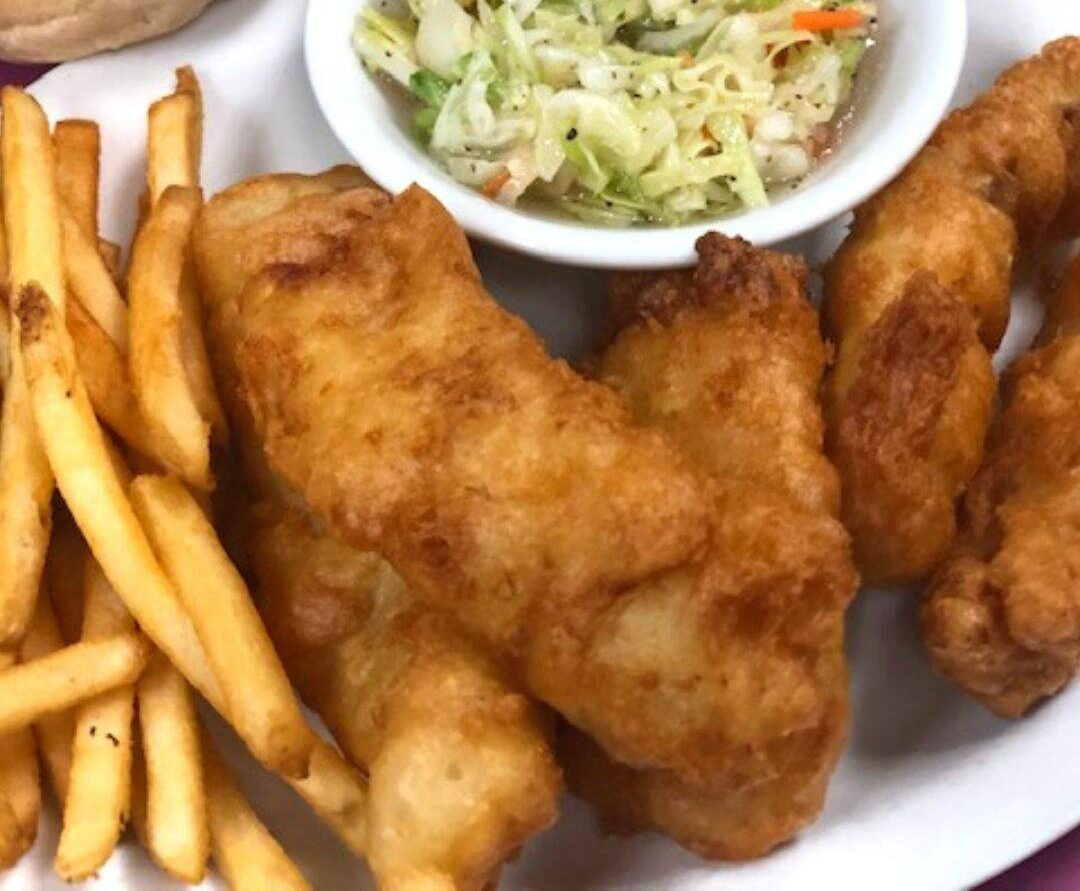 Features Sports Bar & Grill (Holmen, WI)