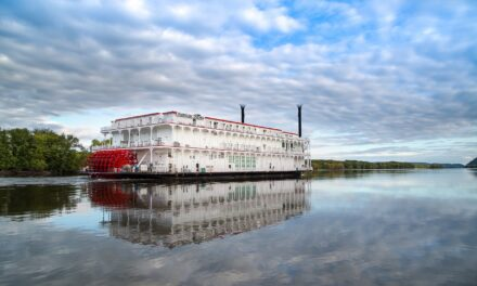 Exclusive Deals on Paddlewheel Excursions!