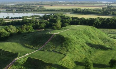 5 Reasons To Visit The Astonishing Cahokia Mounds State Historic Site!