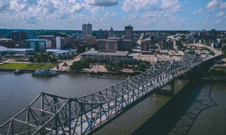 How To Spend The Perfect Summer Day In Peoria, Illinois With The Family!